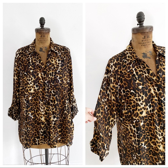 Plus size slouchy leopard oversized blouse.